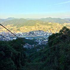 Instagram【reiichinose】さんの写真をピンしています。 《稲佐山のロープウェイ🚡 長崎 . . .  日本 #japan #nagasaki #長崎 #稲佐山 #旅行 #旅 #夜景 #長崎夜景 #lamp #landscapephotography  #landscape #trip #travel #travelgram #instatravel #phos_japan #nature #ropeway #highplaces #beauty》