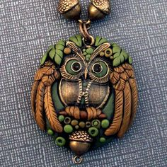 Polymer clay Owl Pendant Necklace by MandarinMoon on DeviantArt Diy Fimo, Crea Fimo, Polymer Clay Kunst, Polymer Clay Animals, Fimo Clay, Polymer Clay Projects, Polymer Clay Creations, Clay Beads, Polymer Clay Necklace