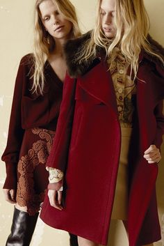 that skirt/sweaterdress on the left; dusty rose and wine = so good together.  Chloé Pre-Fall 2015 - Slideshow