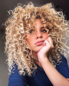 20 Hottest Spring Hair Colors 2019 – Styles Art 20 Hottest Spring Hair Colors 2019 – Styles Art 20 amazing hairstyles Stunning Hair Color Id▷ 1001 + impeccable hairstyles Cute Curly Hairstyles, Spring Hairstyles, Short Curly Hair, Curly Hair Styles, Natural Hair Styles, Blonde Curly Hair Natural, Layered Hairstyles, Curly Girl, Natural Curls
