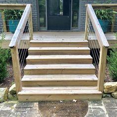 Cable Railing: DIY Modern Deck railing tutorial - Top Decking Ideas - An Ode To a Beautiful Garden Y Cable Stair Railing, Deck Stair Railing, Deck Railing Ideas Diy, Diy Exterior Railing, Pergola Ideas, Horizontal Deck Railing, Deck Railing Systems, Patio Ideas, Landscaping Ideas