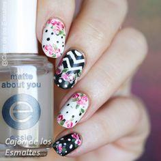 Uñas decoradas y decoraciones de uñas, nail art. Glitter, estampado, decals o tatuajes. Reseñas de esmaltes de uñas locales e importados