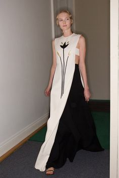 Haute Couture Fall 2014 Fashion Week Highlights / A simple, spectacular dress from Valentino's Maria Grazia Chiuri and Pierpaolo Piccioli.