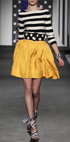 Black + Yellow / moschino