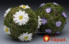DIY Spring Decor : DIY seven simple spring centerpiece designs Small Flower Arrangements, Small Flowers, Architecture Art Design, Flower Ball, Arte Floral, Bunt, Floral Design, Diy Crafts, Spring