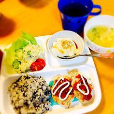 鶏モヤシバーグ♪ ポテトサラダ♪ 特濃トーフ♪ 梅ひじき混ぜご飯♪ お味噌汁♪ - 82件のもぐもぐ - 夕飯プレート♪ by paraiba
