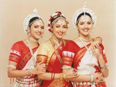Hema Malini with her daughters Esha and Aahna