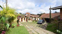 A Pousada Aconchego está situada em Monte Verde - Minas Gerais - a apenas 30 m da Estação Rodoviária da cidade. A pousada dispõe de estacionamento, jardim, WiFi e um delicioso café da manhã bem variado.