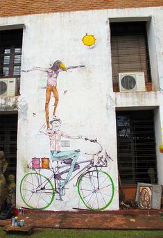 Petite présentation de l'artiste argentin Mart qui nous vient de Buenos Aires. Son imagination fantasque s'exprime à travers des fresques naïves et poétiques.