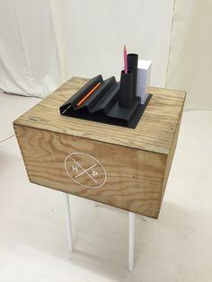 Usine, pen tray