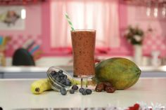 If you're trying to find a date this Valentine's Day, you're in luck! This recipe features tropical ingredients including dates and papayas that are high in fiber and taste great. Date Me Smoothie!