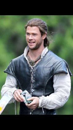 Chris hemsworth the The huntsman
