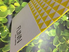 edge painting yellow, design: Junto. Printing: Polyprint24.be