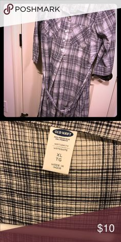 Beautiful blue and white plaid maternity dress Beautiful blue and white plaid tie waist maternity dress from old navy. Lightweight material perfect for those hot 2nd and 3rd trimester days. Old Navy Dresses Long Sleeve