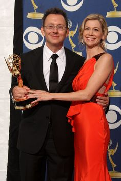 """Michael Emerson Carrie Preston Photos Photos - (L-R) Actor Michael Emerson poses in the press room with actress Carrie Preston and his Emmy for Outstanding Supporting Actor in a Drama Series for """"Lost"""" at the 61st Primetime Emmy Awards held at the Nokia Theatre on September 20, 2009 in Los Angeles, California. - 61st Annual Primetime Emmy Awards - Press Room"""