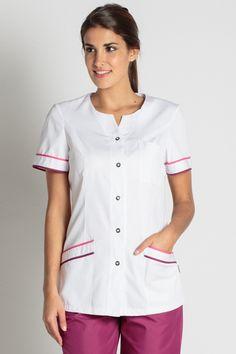 VESTUARIO PROFESIONAL Y UNIFORMES DE DISENO - POLIVALENTES - CHAQUETA BLANCA DETALLE LILA- 8293 - DYNEKE Medical Uniforms, Work Uniforms, Staff Uniforms, Beauty Uniforms, Scrubs Outfit, Nursing Clothes, Nursing Scrubs, Scrub Sets, Uniform Design