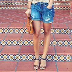 Baggy jean shorts with small stiletto heals