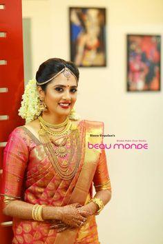 Wedding Saree Blouse, Bridal Silk Saree, Indian Bridal Lehenga, Indian Bridal Fashion, Wedding Sarees, Saree Dress, Silk Sarees, Kerala Hindu Bride, South Indian Wedding Saree