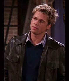 Brad Pitt Friends, Friends Season 8, Modern Vintage Fashion, Vintage Style, Friends Moments, Fashion Games, Stylish Men, Compliments, Slim