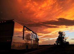 "RV Gems  on Instagram: ""Incredible #texas #sunset captured by @heathpadgett. #rvlife #rvgems #homeiswhereyouparkit #rvliving #wanderlust #camp #fulltimerv #camplife #camping #travel #outdoors #nature #travelusa #wandering #offthegrid #campvibes #nomad #boondocking #roadtrip #motorhome #gorving #gypsy"""