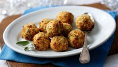 BBC - Food - Recipes : Mary Berry's sage and onion stuffing balls Best Stuffing Recipe, Sage And Onion Stuffing, Chicken Stuffing, Roast Chicken, Roast Dinner, Sunday Roast, Dinner Menu, Xmas Food, Xmas