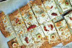 Chrumkavé, tenké pečivo z quinoi ktorým môžete jednoducho nahradiť raňajkové… Atkins, Tofu, Quinoa, Pizza, Smoothie, Clean Eating, Cake, Fit, Breads