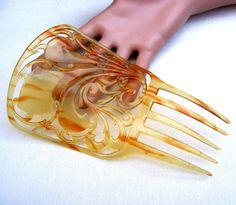 Spanish mantilla hair comb blonde celluloid by ElrondsEmporium