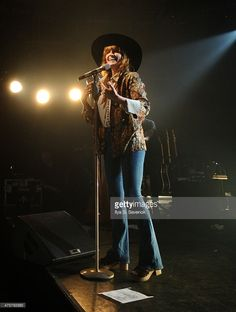 Singer Florence Welch of Florence And The Machine perfoms onstage during the iHeartRadio LIVE performance and Q&A with Florence And The Machine on June 3, 2015 in New York City.