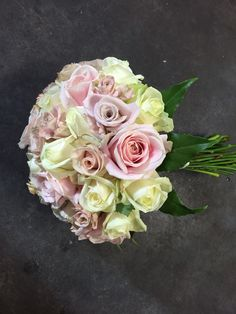 Mixed roses bridal bouquet