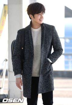 Wtf why r u sooo handsome? Jung Il Woo, Park Hae Jin, Park Seo Joon, Asian Actors, Korean Actors, Kdrama, Cinderella And Four Knights, Park So Dam, Bts Concept Photo
