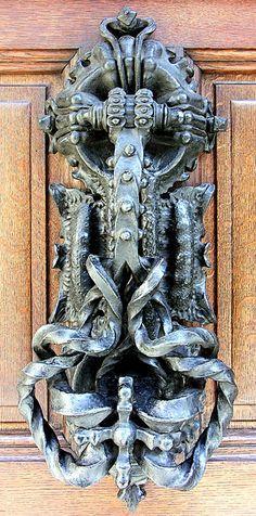 This is a door knocker of all door knockers! Cool! #doors
