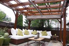 The pergola kits are the easiest and quickest way to build a garden pergola. There are lots of do it yourself pergola kits available to you so that anyone could easily put them together to construct a new structure at their backyard. Retractable Pergola Canopy, Cedar Pergola, Patio Canopy, Pergola Swing, Deck With Pergola, Wooden Pergola, Canopy Outdoor, Backyard Pergola, Pergola Shade