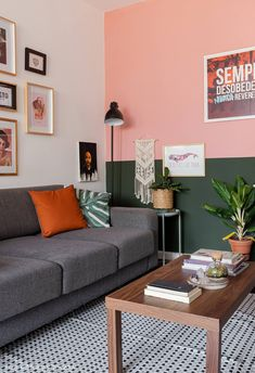 8 pieces of furniture and accessories for a tidy room! Living Room Decor Colors, Bedroom Wall Colors, Bedroom Decor, Home Room Design, Living Room Designs, Colorful Decor, Colorful Interiors, Bedroom Color Combination, Room Color Schemes