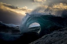 Il cacciatore di onde: montagne d'acqua nell'oceano - ray collins