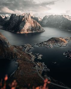 This might be the most beautiful place I have ever seen on planet earth. After a pretty steep climb with close to no. Lake Photography, Mountain Photography, Travel Photography, The Places Youll Go, Places To See, Wonderful Places, Beautiful Places, Quelques Photos, Planet Earth