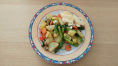 Gröstl Pasta Salad, Potato Salad, Potatoes, Ethnic Recipes, Food, Vegetarian Main Dishes, Carrots, Red Bell Peppers, Food Portions