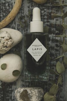 Herbivore Botanicals Lapis Facial oil | TLV Birdie organic beauty blog review