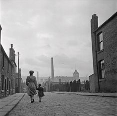 Lancashire Mill Town Photograph by Bert Hardy Vintage Photography, Street Photography, Industrial Photography, Old Photos, Vintage Photos, Preston Lancashire, Bolton Lancashire, Diorama, Cotton Mill