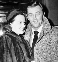Robert Mitchum y Dorothy Spence