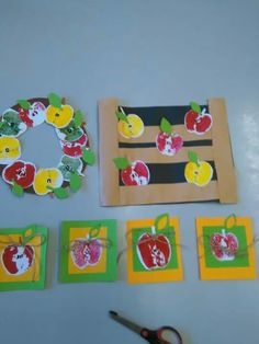 Jablko otisk Question Of The Day, This Or That Questions, Apple Theme, Fall Crafts For Kids, School Projects, Drake, Apples, Kindergarten, Preschool