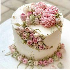 Birthday Cake Decorating Ideas - 6 Easy to Make Cake Ideas - Life ideas Gorgeous Cakes, Pretty Cakes, Cute Cakes, Amazing Cakes, Cake Decorating Videos, Birthday Cake Decorating, Cake Decorating Techniques, Decorating Ideas, Mini Cakes