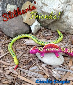 Slitherin' Friends  a great kids craft made using Apple Barrel paints. #crafts #kids #paint
