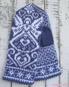 Подборка схем с ангелами. Knit Mittens, Knitting Socks, Knitted Hats, Knit Socks, Knit Crochet, Crochet Hats, Fair Isle Knitting, Winter Hats, Gloves