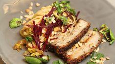 Asiatisk svineribbe Norwegian Christmas, Asian Pork, Ciabatta, Pork Ribs, Salmon Burgers, Delish, Spices, Potatoes, Meat