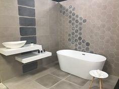 SHOWROOM SALLES DE BAINS KING CARRELAGE Bathtub, Bathroom, Standing Bath, Washroom, Bathtubs, Bath Tube, Full Bath, Bath, Bathrooms