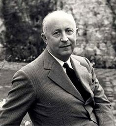 """Christian Dior: famous french fashion designer that created """"The New Look"""". Epitomized parisian fashion after WWII. Had a short career while alive but house of Dior is still huge in the fashion industry. Dior Jadore, Christian Dior, Dior Haute Couture, Couture Style, Vintage Dior, Vintage Tops, John Galliano, Lanvin, Givenchy"""