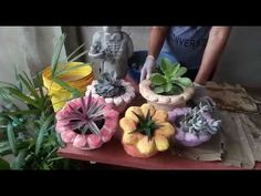We take the time to choose them, we water them, we feed them and we - AmigurumiHouse Cement Art, Concrete Art, Concrete Planters, Concrete Crafts, Concrete Projects, 5 Min Crafts, Diy Arts And Crafts, Garden Crafts, Garden Art