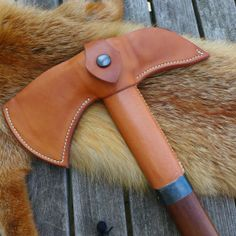 Arno Buck - Leather Tomahawk cover/sheath Aktuell
