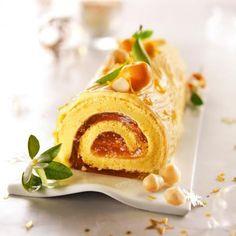Buche de Noël à la mandarine et noix de Macadamia / Yule log in the mandarin and the macadamia nut Sweet Recipes, Cake Recipes, Cake Show, Yule Log, French Pastries, Molecular Gastronomy, Food Presentation, No Bake Desserts, Cupcake Cakes