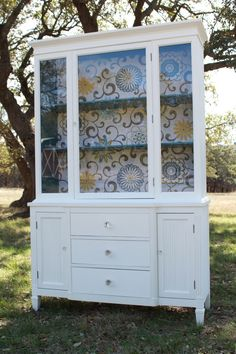 maybe the hutch should be white. with backing paper. Modern Cottage Style China Cabinet to display things too beautiful for the cupboard China Cabinet Redo, Painted China Cabinets, Painted Hutch, Painted Furniture, Furniture Projects, Home Projects, Diy Furniture, Restoring Furniture, Hutch Makeover